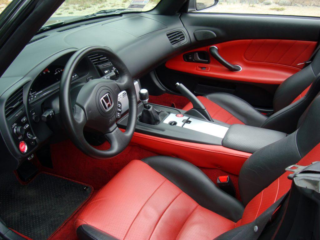 interior rojo con negro honda s2000