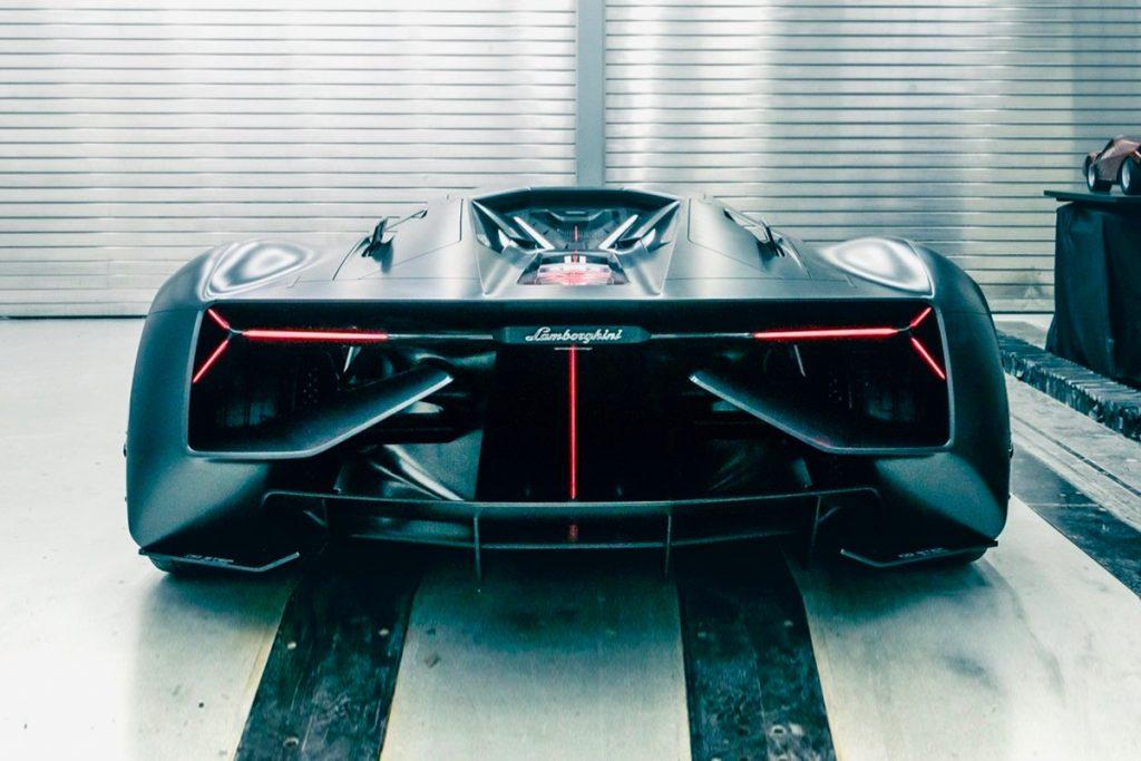 posterior Lamborghini terzo millennio