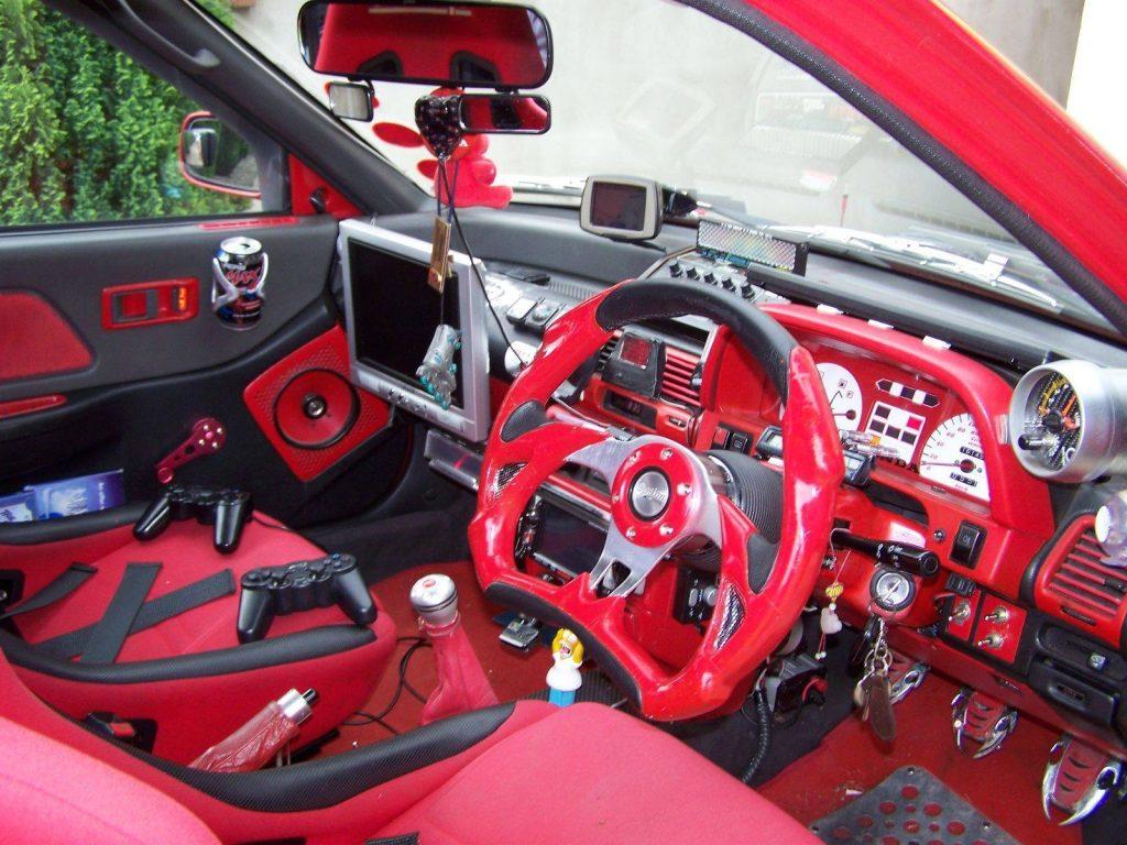 nissan 240z tuning interior rojo